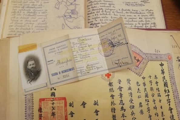 Particolare di documenti conservati presso l'Archivio Storico della Provincia Euro-Mediterranea dei gesuiti