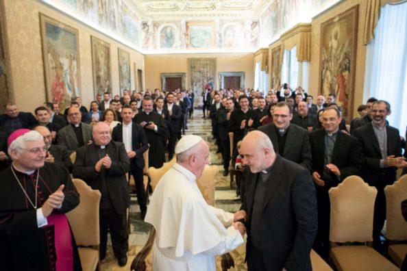 P. Francesco Beneduce SJ, gesuita, nuovo vescovo ausiliare di Napoli, durante la visita del Papa al Seminario di Posillipo